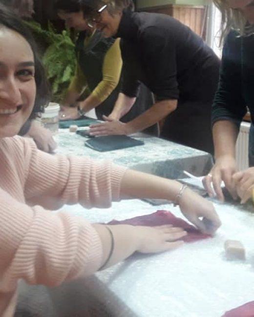 Girininkuose savanorė Tamta susipažino su Girininkų aktyvių moterų grupe Renginiai Girininkuose