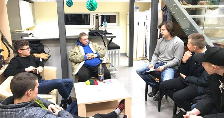 Merginų ir vaikinų vakaras Gargždų atvirame jaunimo centre